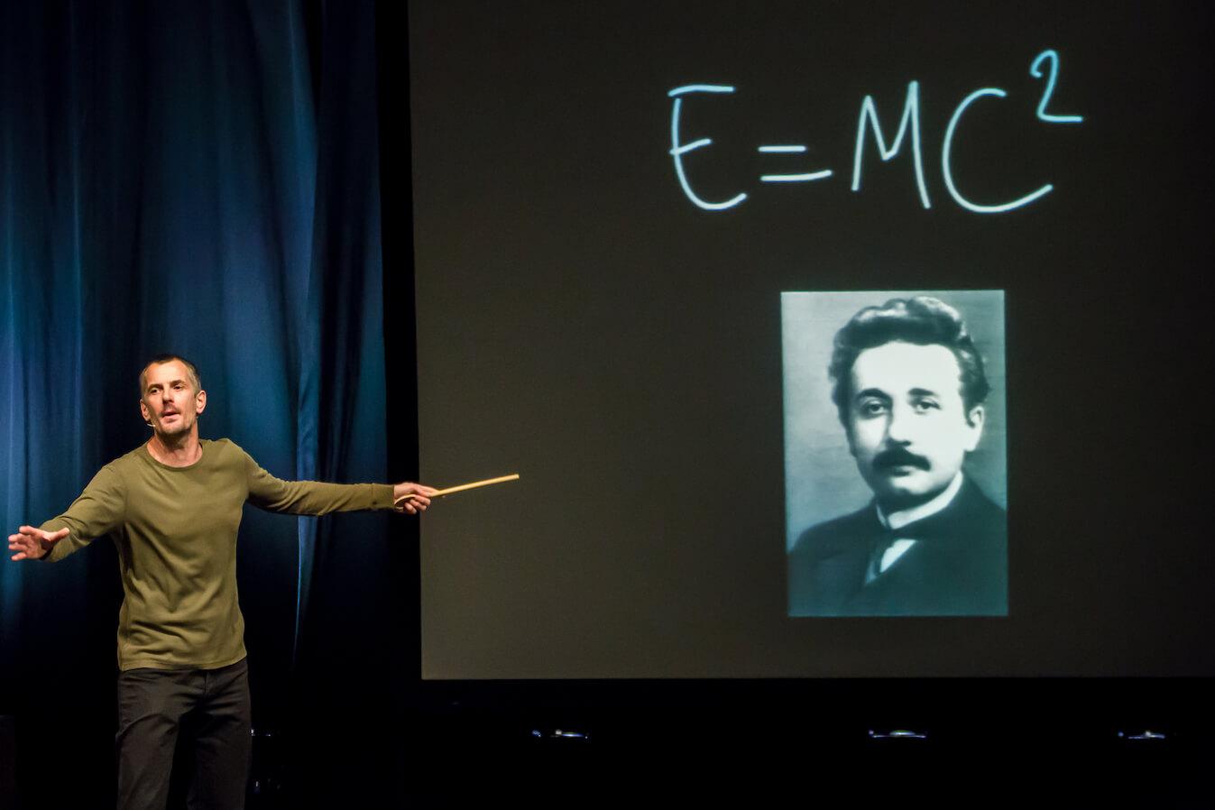 Basic Einstein David Guilbert 6.jpg